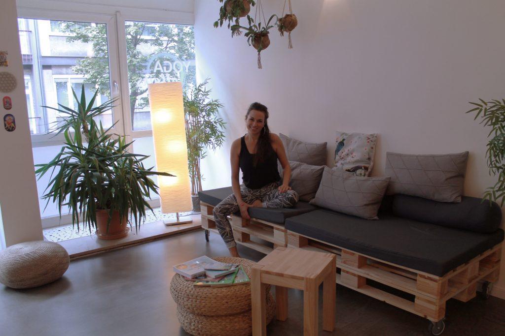 Katharina Mehring in ihrem Yoga Studio Yoga Affairs mitten in den Mannheimer Quadraten